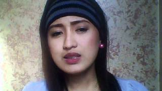 "Asian girl singing Hindi song ""zara zara behekta hai"""