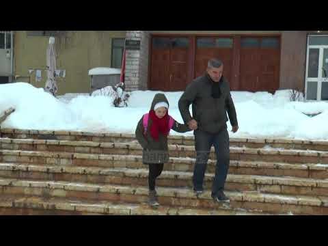 Bulqizë, mësim në acar - Top Channel Albania - News - Lajme