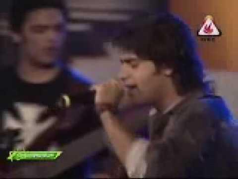 Bikhra hoon  dil dil pakistan   Jal  Main stage concert