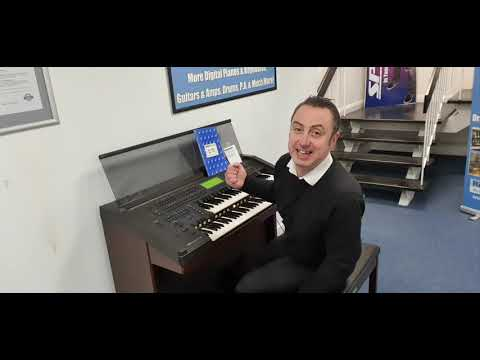 Yamaha EL90T Organ
