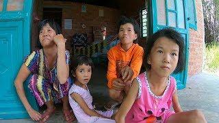 Thăm lại 4 bà cháu sống giữa cánh đồng, nhìn ai cũng gầy đi nhiều thấy mà xót