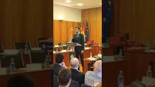 Juramiento de un concejal de VOX en Orihuela contra el Estatut valenciano