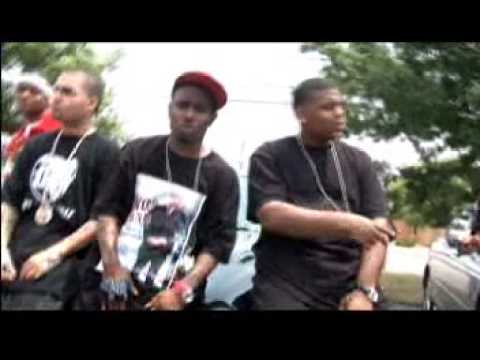 Big Tuck Feat Double T & Lil Ronnie - Can't See Me
