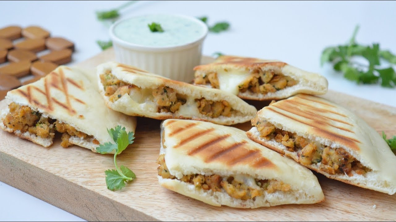 CHICKEN ARAYES / Grilled Stuffed Pitta Pockets (Ramadan 2021 Special) by YES I CAN COOK