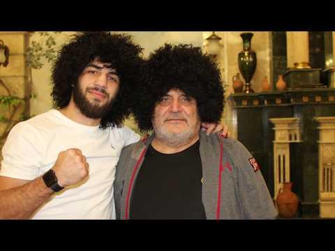 Профессиональный боксёр Раджаб Бутаев