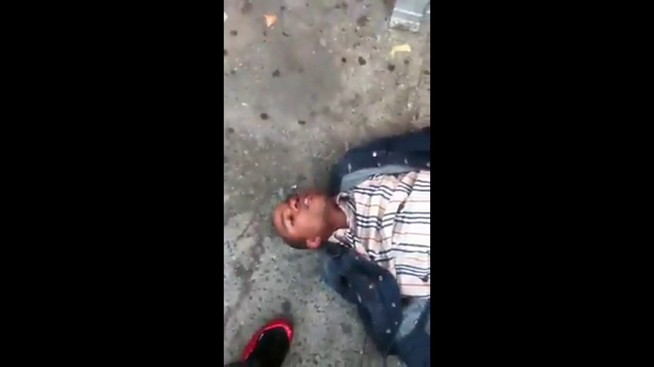 KID KNOCKS OUT BULLY *INSANE MUST SEE*