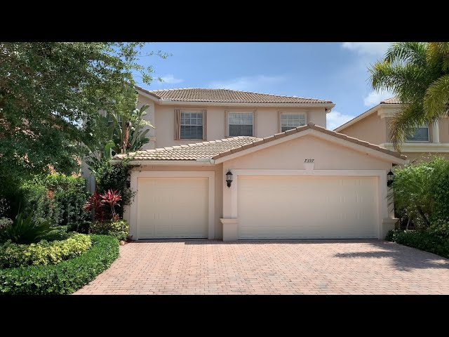 BEAUTIFUL LAKEFRONT FAMILY HOME IN LAKE WORTH BEACH, FLORIDA 33467 | Luxury Resort Portfolio