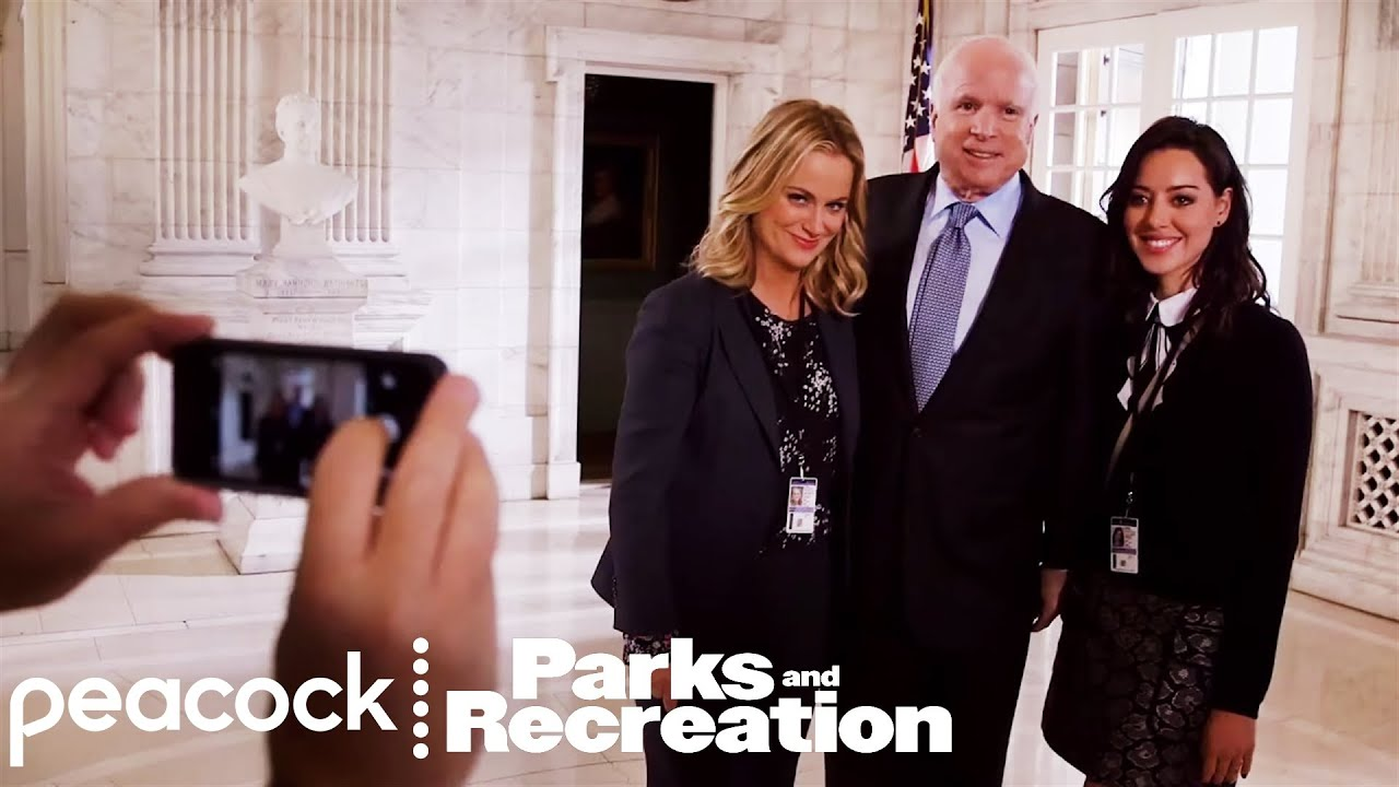 These 2020 presidential candidates both had cameos on 'Parks and Rec'