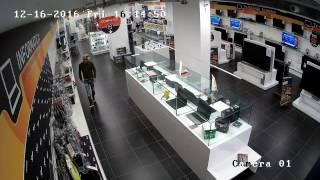 cassino-furto-ad-unieuro-il-video-dei-ladri-in-azione