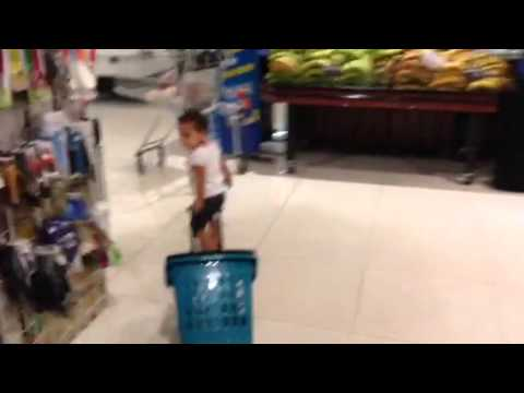 19 month old found shopping in Panama