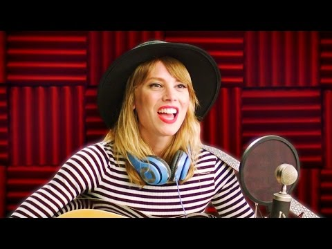 Taylor Swift Is Back In The Studio!