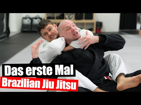 Bodybuilder beim Brazilian Jiu Jitsu 🥋 Training mit MMA Fighter