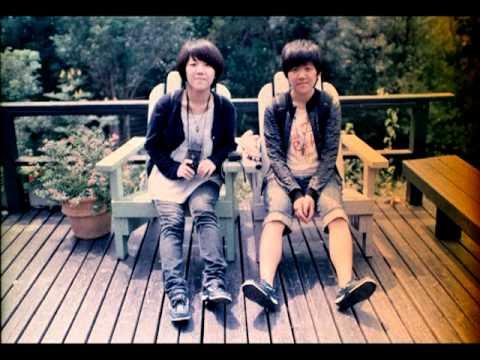 陣雨之間     依錚依靜  (Yi-Cheng & Yi-Ching)
