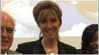 Tammie Jo Shults' Husband, Dean, & Family: 5 Fast Facts You Need to Know