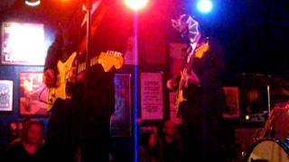 LOS STRAITJACKETS @ TRUF CLUB DECEMBER 2010