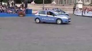 Repeat youtube video Tecniche di guida sicura - WWW.RBCASTING.COM