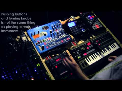 Vox Atomic - Made With Machines (LIVE Electronic Music)