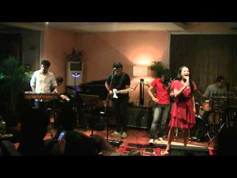 Andien - Keraguan ft. Indra Lesmana @ Mostly Jazz XXI [HD]