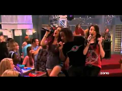 Miranda Cosgrove & Victoria Justice - Leave It All to Shine (iCarly y Victorious)