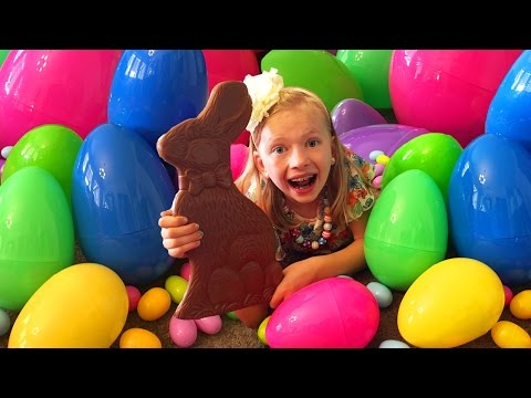 HUGE CHOCOLATE BUNNY & Lost Tooth || Mommy Monday Easter Special