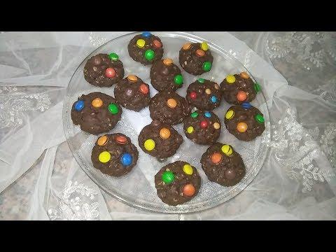m&m's-oatmeal-cookies-/-cookies-aux-flocon-d'avoine-/-كوكيز-بالشوفان-للاطفال-صحي-و-لذيذ