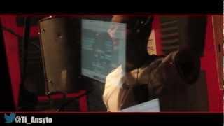 Dug.G feat. Ti Ansyto (The Maestro) - Bon Anniversaire ( Video Studio Performance)