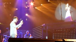 Ricky Martin & Delta Goodrem  Private Emotion - Townsville Entertainment Centre