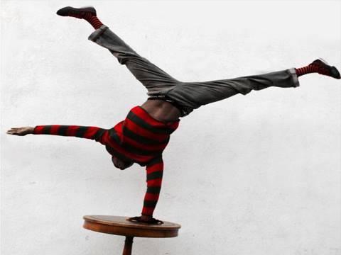 how to develop handstand balance