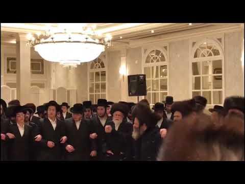 Spinka Rebbe Mitzvah Tantz
