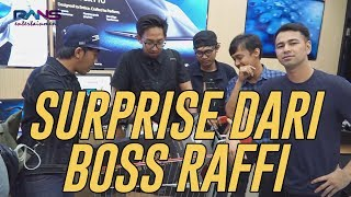 Download Bukan April Mop, Raffi Nagita Ngasih Laptop Ratusan Juta Untuk Anak Kantor Mp3 and Videos