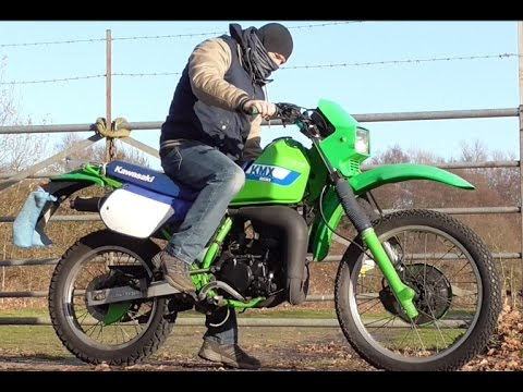 kawasaki kmx 200 1988 old school dirt bike ride fly by. Black Bedroom Furniture Sets. Home Design Ideas