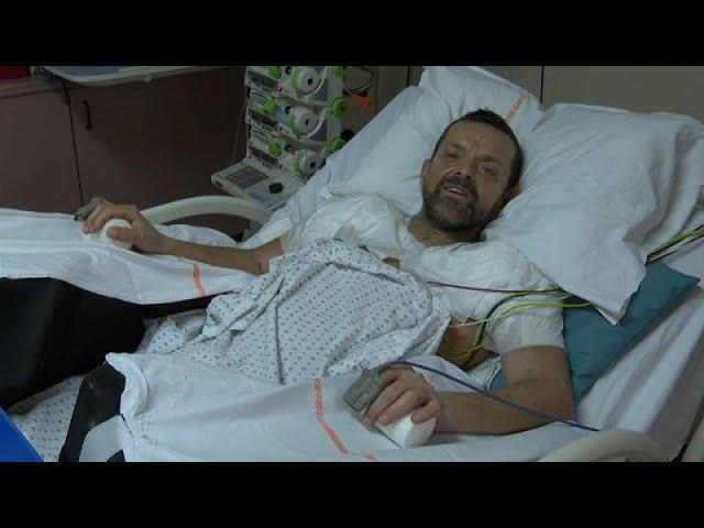 Evoluciona favorablemente el primer paciente sometido a un doble trasplante de brazos y hombros