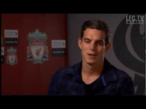 Daniel Agger takes armband tips from 'the best' 21/08/13