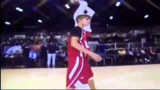 Justin Bieber Gets Hit In The Head - NBA Celebrity All Star Game 2011