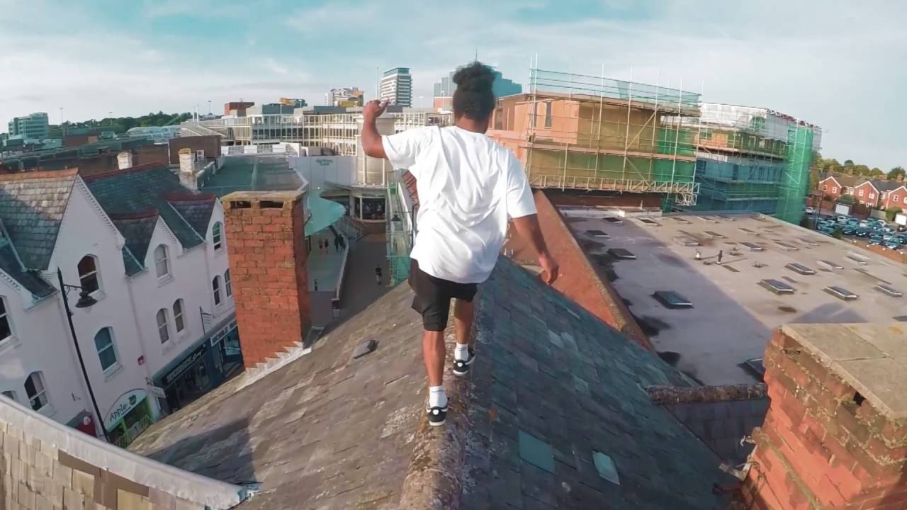 Parkour Rooftop Chase Beat The Traffic Warden New