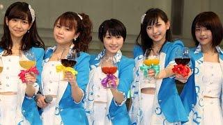 アイドルグループ「Juice=Juice」が4月8日、東京・池袋のサンシャインシティ噴水広場で新曲の発売記念イベントを開催した。イベントの中盤にゲストとして登場した ...