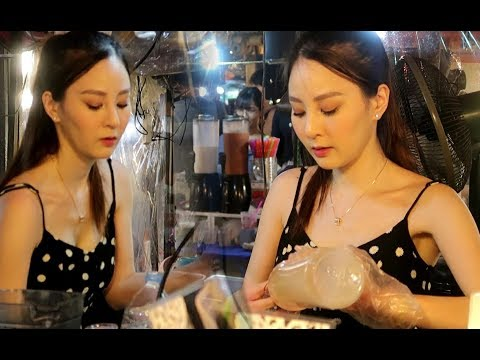 HOTTEST STREET FOOD VENDOR IN THAILAND | DELICIOUS FRUIT SHAKES | THAI STREET DRINKS