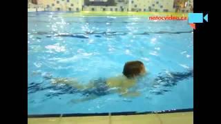 Jak jsem přeplaval ve třech letech celý bazén