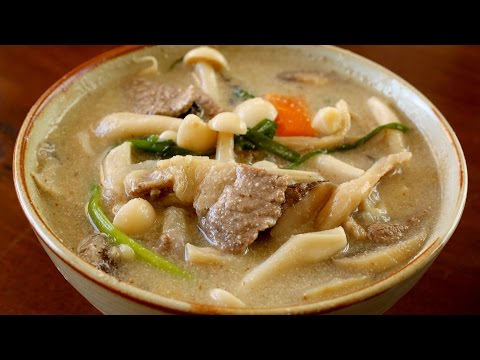 Mushroom soup ( 버섯들깨탕: Beoseot-deulkkae-tang)