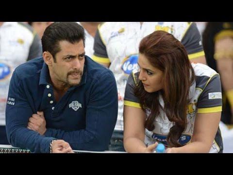 CAPTURED! Huma Qureshi Chilling In Salman Khan's Swimming Pool | Bollywood Gossip