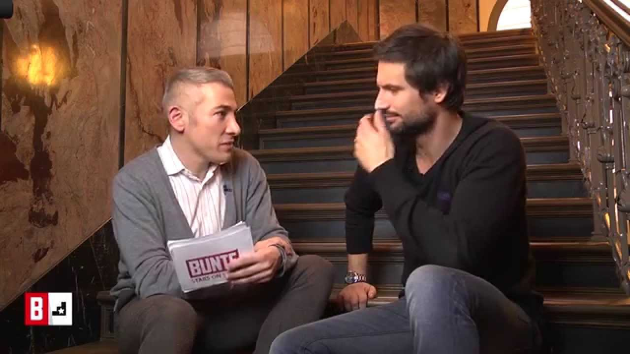 BUNTE TV - StarsonStairs: Tom Beck