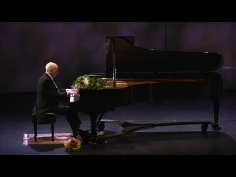 Vitaly Margulis plays Rachmaninoff's Polka de W.R.