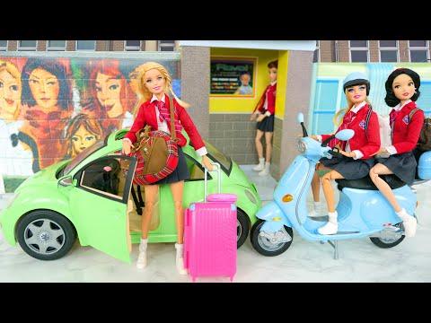 Barbie Volkswagen New Beetle Car & School Lockers & Doll Motorcycle Moto Mobil Motorrad Carro سيارة