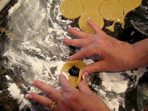 Tina Wasserman shows how to shape hamantashen .avi