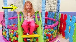 Melly To Playground   Melly la Loc de Joaca in Piatra-Neamt