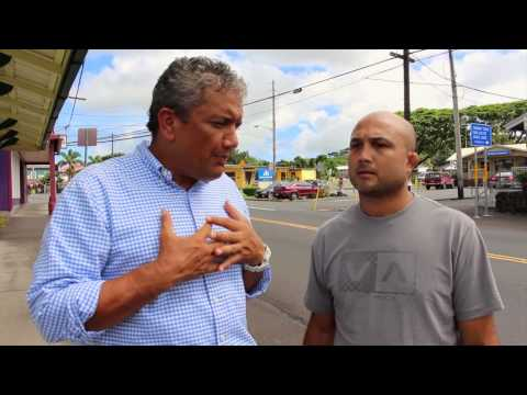 BJ Penn and Hawaii County Mayor Billy Kenoi visit Pahoa town in state of emergency