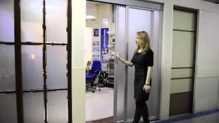 Раздвижные двери в анодированном профиле с матовым стеклом.(Видео - презентация раздвижных дверей в анодированном профиле в цвете серебро и матовым стеклом от компани..., 2016-04-05T08:38:30.000Z)
