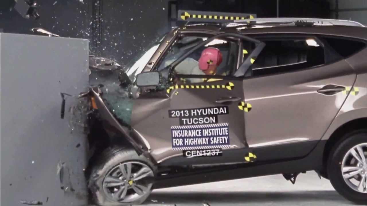 Kia Small Car >> IIHS - 2013 Hyundai Tucson /ix35/ small overlap crash test / POOR EVALUATION / - YouTube