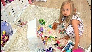 ВЛОГ Мне ПЛОХО Я не знаю что со мной Алиса не хочет убирать игрушки