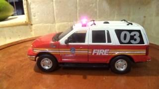 1/24 FDNY Ford Expedition Fire Department New York City WWW.PO-LIGHT.COM